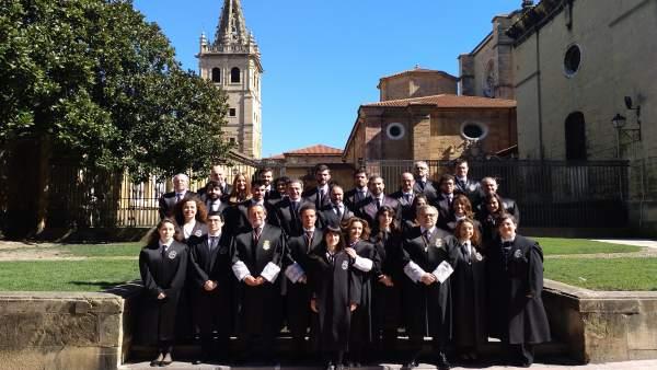 Quince nuevos abogados participan en el acto de jura del ICA Oviedo