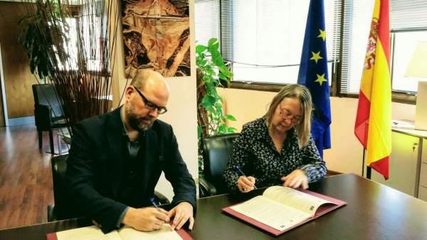 El Ayuntamiento de Santiago firma con Acuaes el inicio del proceso para el proye