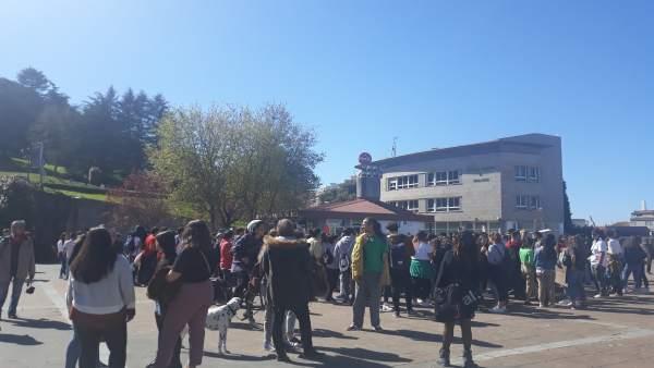 Cientos de jóvenes gallegos llaman a los gobiernos a concienciarse de la urgenci