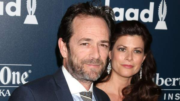 Luke Perry y Wendy Madison Bauer