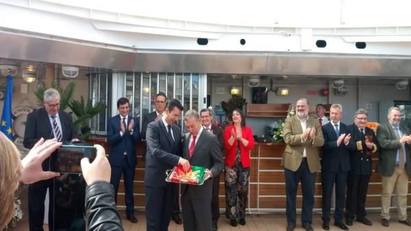 Granada.- El alcalde valora al bautizo oficial del nuevo superferrie de Transmed