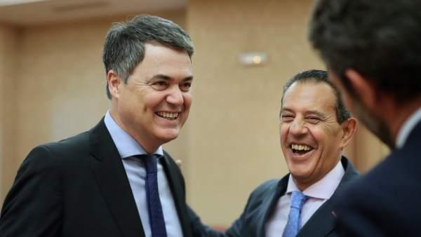 Carlos Rojas y Rafael Merino, diputados del PP, riéndose