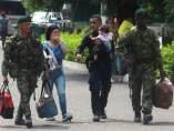 Militares y policías venezolanos desertan a Colombia