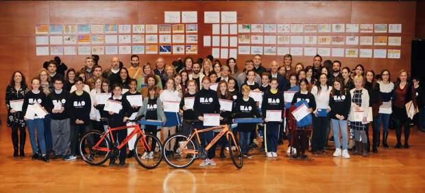 Más de 500 alumnos participan en la entrega de los premios del concurso de dibujo y redacción del ...