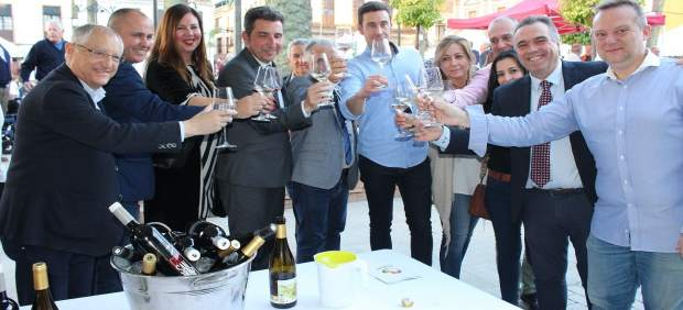 Huelva.- Más de 4.000 copas de vino servidas en el I Encuentro Vitivinícola Huel