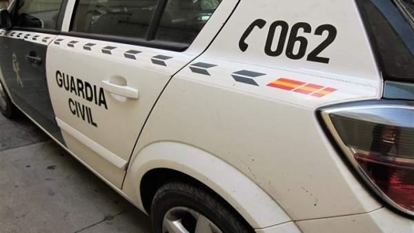 Jaén.- Sucesos.- Detenida en Baeza por rayar con una piedra 18 vehículos estacio