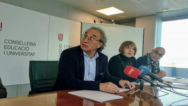 El conseller March presenta la nueva convocatoria de oposiciones