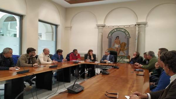 Granada.- La Junta se reúne con los representantes de las federaciones deportiva