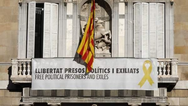 Lazos amarillos en la Generalitat