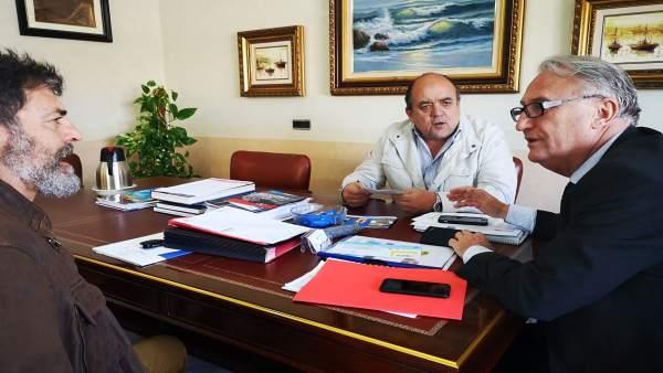 Almería.-Puertos.-La Autoridad Portuaria analiza los proyectos del fondeadero y