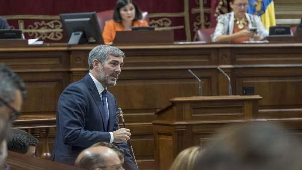 Pleno.- Clavijo ve a Canarias 'francamente mejor' que en 2015 y PSOE y NC coinci