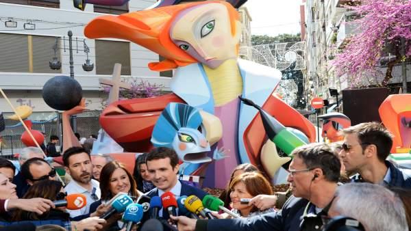 El presidente del PP, Pablo Casado, visita Valencia en 'Fallas'