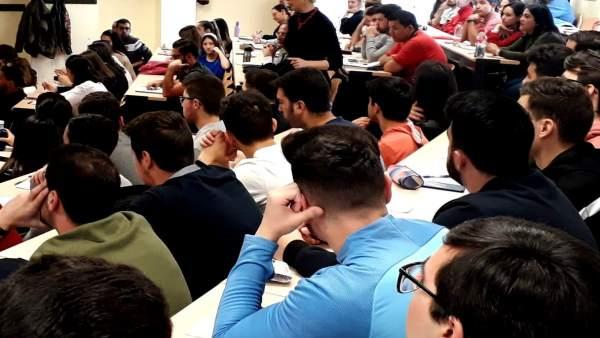 Jaén.- Directora de Andalucía Emprende comparte con estudiantes universitarios c