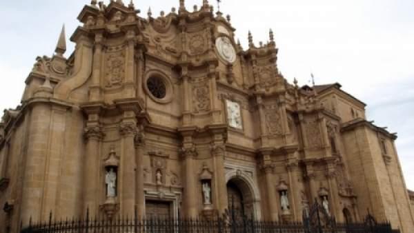 Granada.- Las cofradías de Guadix entrarán en la Catedral en sus estaciones de p