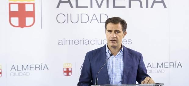 Almería.-Castellón (PP) deja el área de Urbanismo del Ayuntamiento pero mantendr