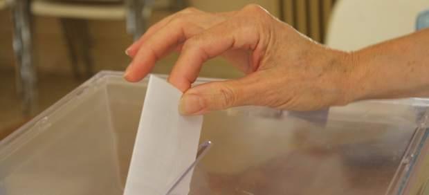 Los interventores de los partidos podrán marcar a todo elector de cuya libertad de voto duden, no ...