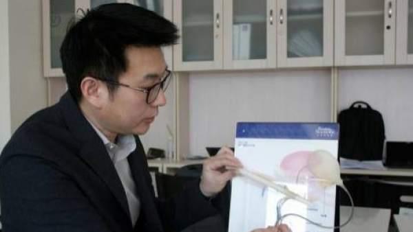 Tian Long, doctor del departamento de Andrología del Hospital Chaoyang de Pekín.