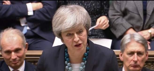 La 'premier' británica, Theresa May durante un debate sobre el Brexit
