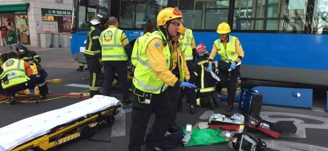 Imagen del atropello de la joven por un autobús.