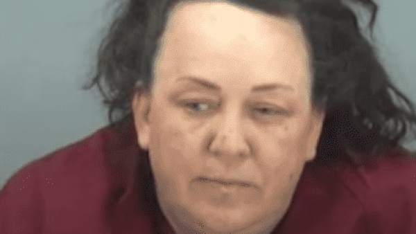 Detenida por abusar de 7 niños adoptados