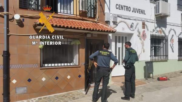 Sucesos.- La rápida actuación de la Guardia Civil impide que se propagase un inc