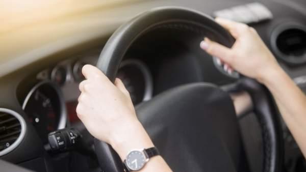 ¿Sabrías actuar si se te bloquea el volante del coche?
