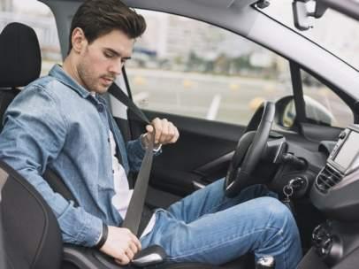 Si el seguro no está a mi nombre, ¿puedo conducir el coche?