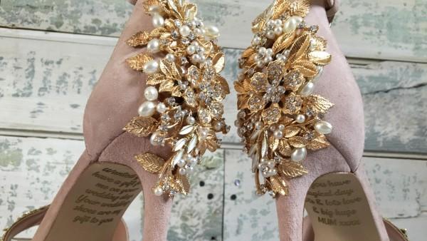 Zapatos de la marca 'Lace and Love'
