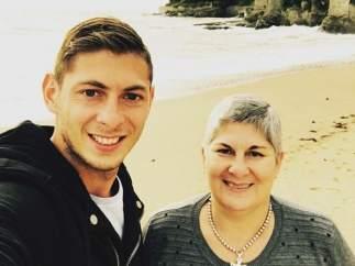 Emiliano Sala y su madre, Mercedes Taffarel.