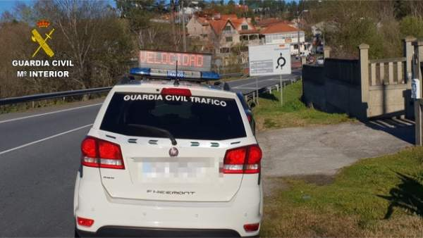Interceptado un joven conductor vecino de Pontevedra a 123 km/h en un tramo limi