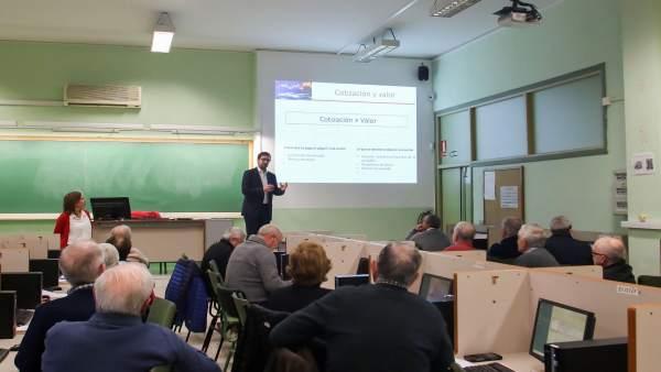 Málaga.- Unicaja.- El Proyecto Edufinet promueve la educación financiera entre e