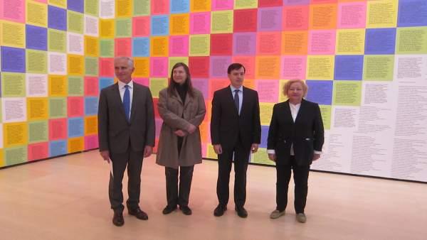 Jenny Halzer expone en el Guggenheim Bilbao hasta septiembre su uso del lenguaje