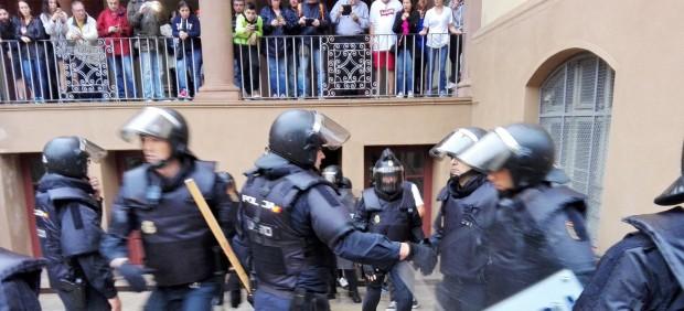 Policía Nacional y Guardia Civil requisan urnas del referéndum del 1-O.
