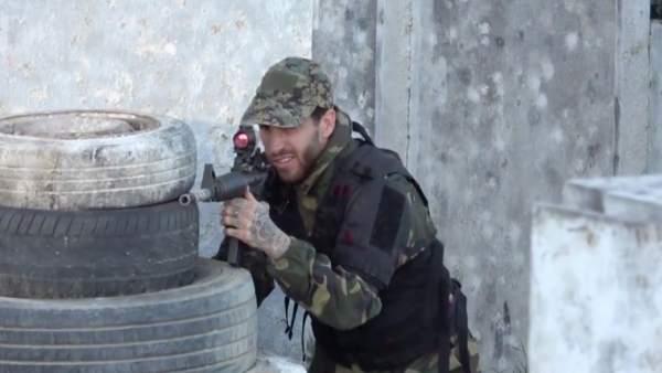 La selección española juega con rifles láser