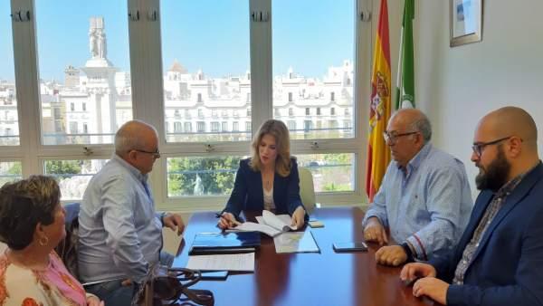 Np Y Foto Reunión Ana Mestre Consejo Territorial Bahía Cádiz