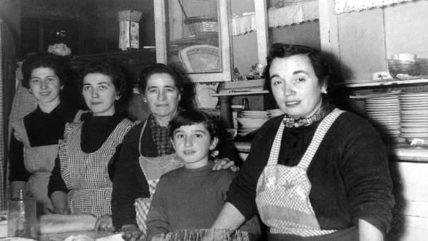 La Cofradía Vasca de Gastronomía rendirá homenaje a las mujeres que han sido 'cl
