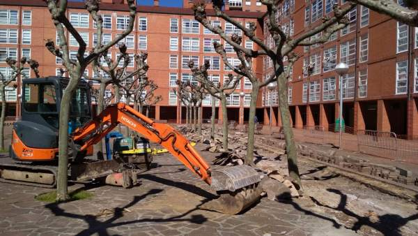 El Ayuntamiento de Barakaldo invierte 48.362 euros en la reforma de la plaza Sak