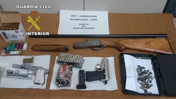 Jaén.- Sucesos.- Detenido acusado de lesiones y amenazas con una escopeta a un v