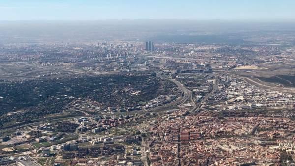 La boina de contaminación sobre Madrid, a vista de pájaro
