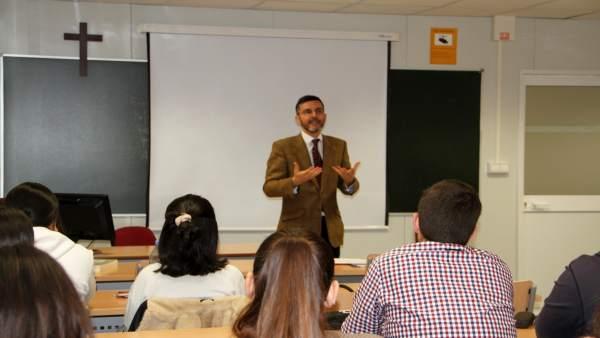La OTAN elige la UCAM para la creación de un centro de excelencia sobre 'legal r