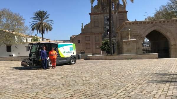 Córdoba.- Sadeco incorpora una nueva baldeadora a su flota de vehículos