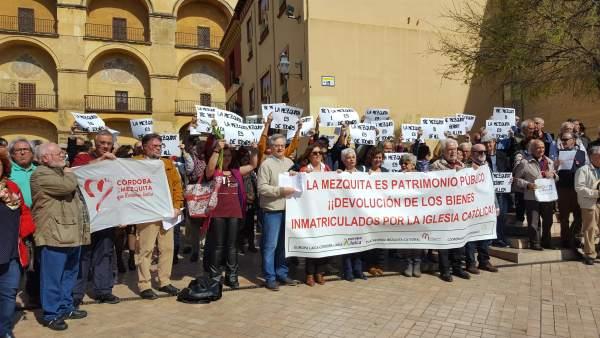 Córdoba.- Europa Laica exige en la Mezquita la publicación del listado de los bi