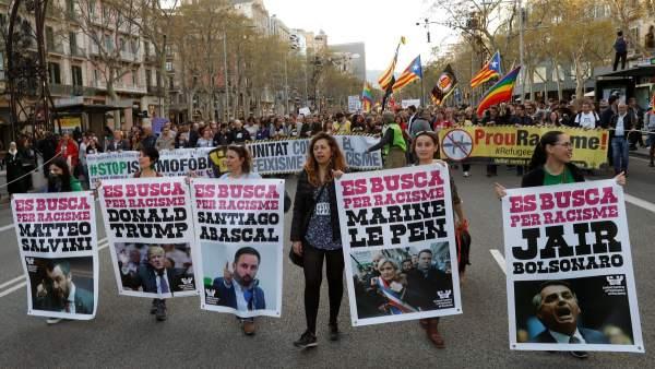 """Protesta contra Vox en Barcelona: """"No pasarán"""""""