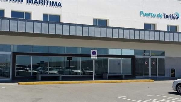 Entrada de la terminal del puerto de Tarifa