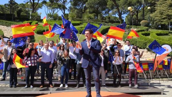 Encuentro Ciudadano en Zaragoza (Aragón) con el presidente de Ciudadanos, Albert