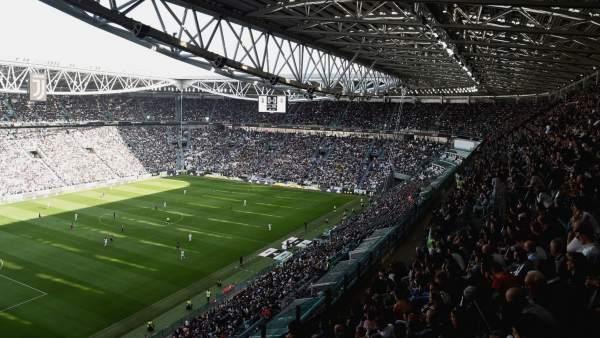 El estadio de la Juventus, lleno para ver un partido de fútbol femenino.