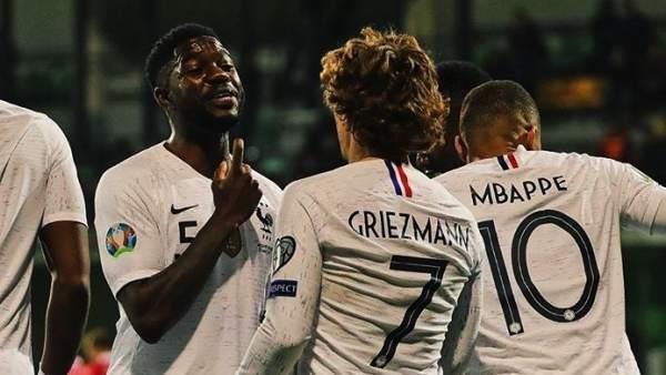 Umtiti y Griezmann, tras un partido de Francia