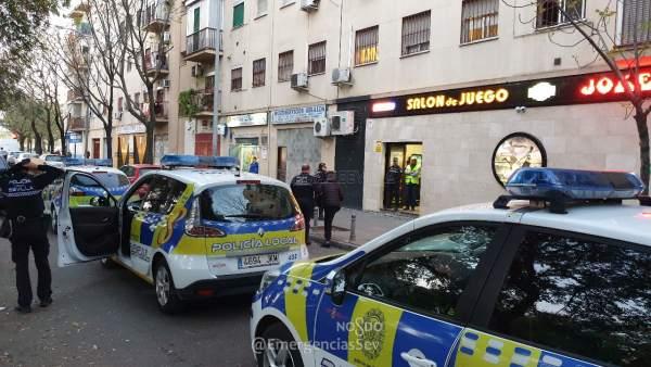 VÍDEO: Sevilla.-Sucesos.- Precintan un salón de juego en la capital por permitir