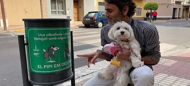 VALENCIA.- FAROLAS CON MENSAJES EN ALGEMESÍ PARA CONCIENCIAR A LOS DUEÑOS DE PER