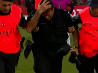 Un policía herido en los altercados en el estadio de Newell's